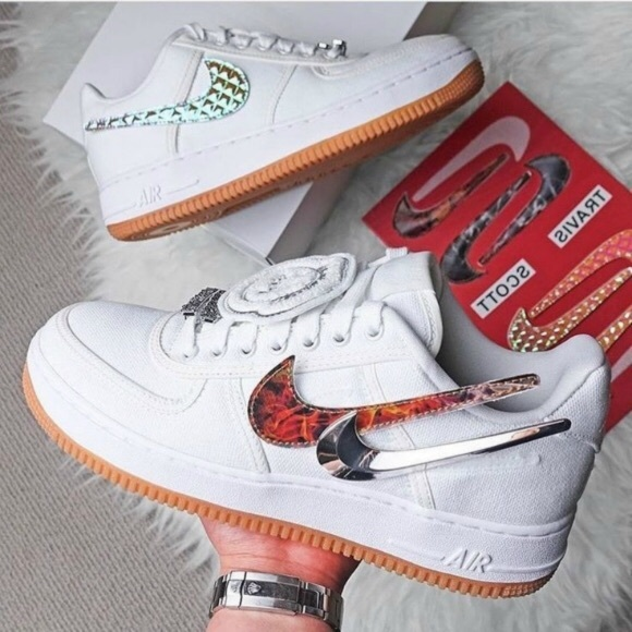 Nike Zapatos Travis Nunca Scott X Air Force One Nunca Travis Usado Poshmark dd60c6